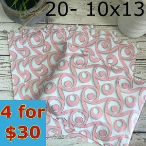 20- 10x13 Boutique Design Poly Mailers